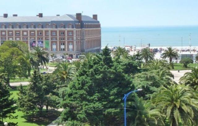 3 amb  balcon y vista a plaza colon y al mar