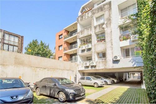 3 amb. c/balcon y cochera en la calabria