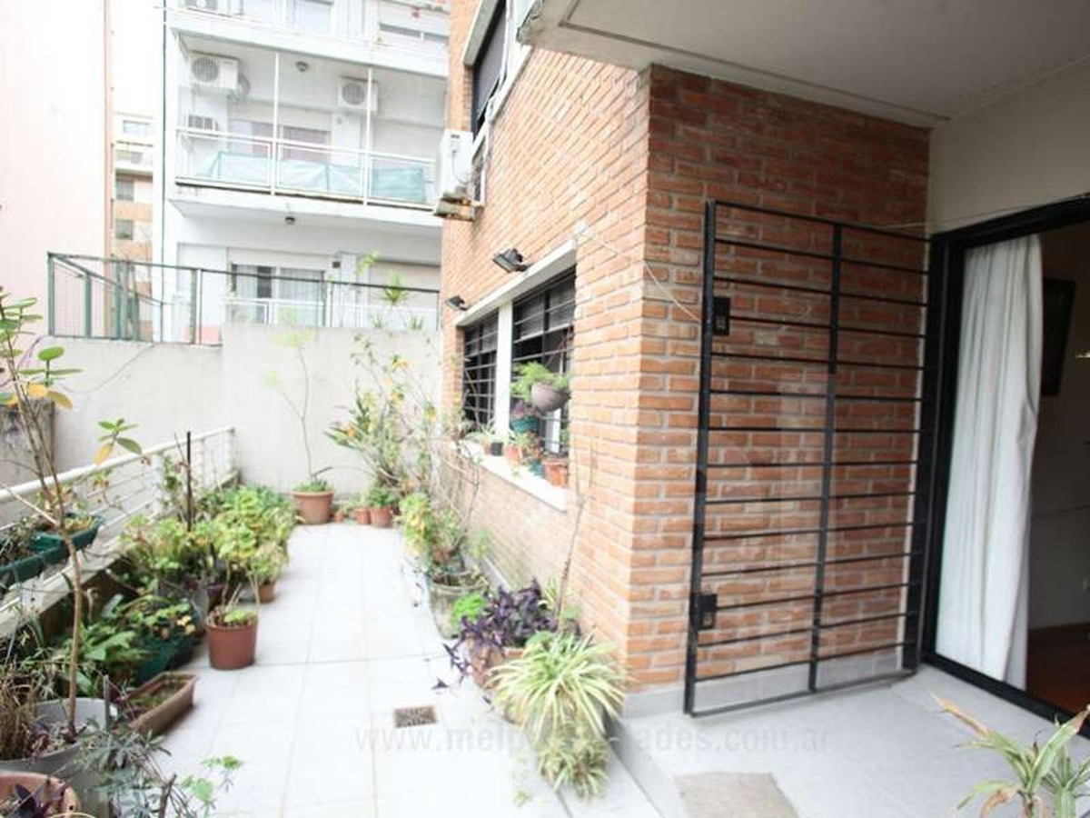 3 amb con balcón terraza. cochera fija.