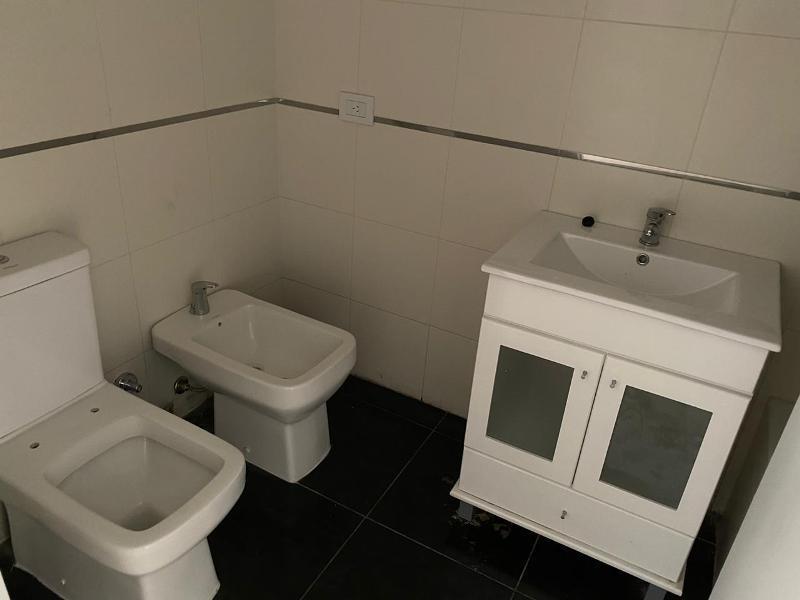 3 amb de categoria - 2 baños completos - parrilla individual