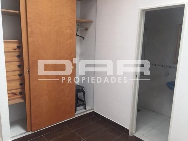 3 amb en duplex s/expensas! 2 baños y terracita. av. mosconi