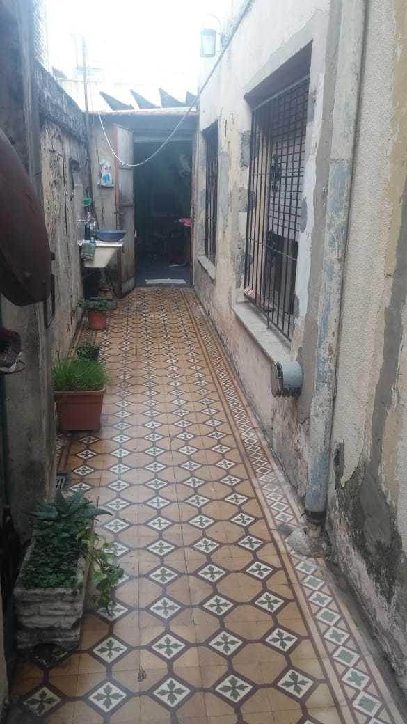 3 amb. tipo casa lateral con 2 patios uno descubierto