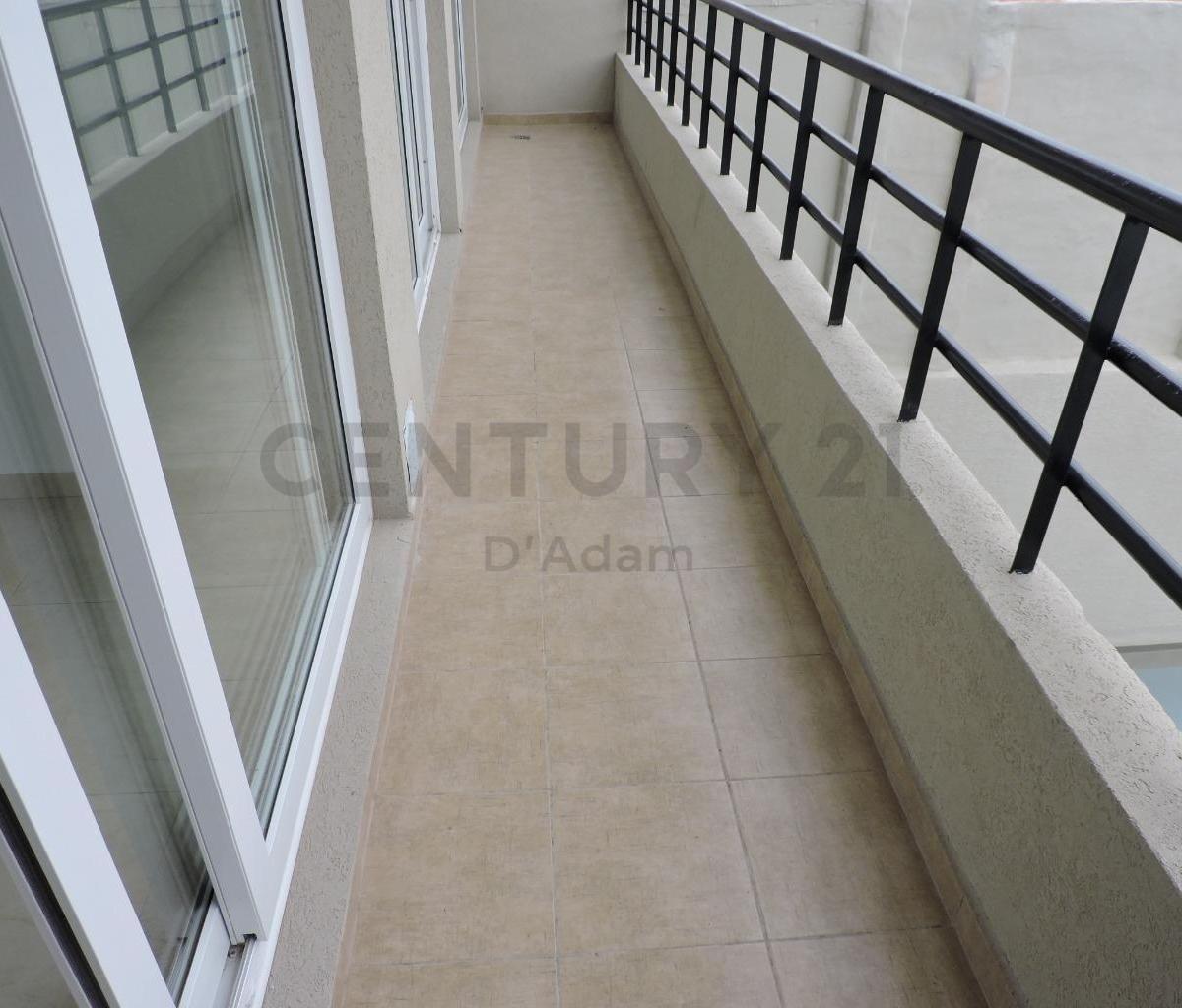 3 ambientes a estrenar, 2 baños, terraza propia parrilla, 108 metros totales!