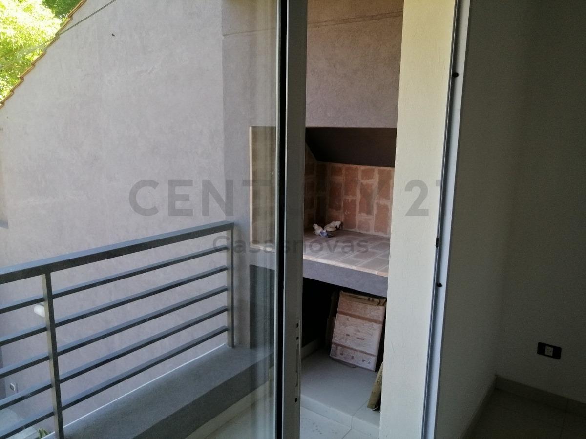 3 ambientes a estrenar al frente con balcon con parrilla y cochera