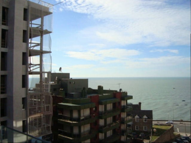 3 ambientes  cochera - baulera -vista mar
