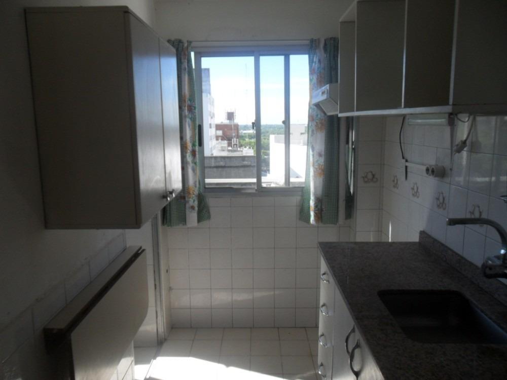 3 ambientes, cocina con terraza, baño completo