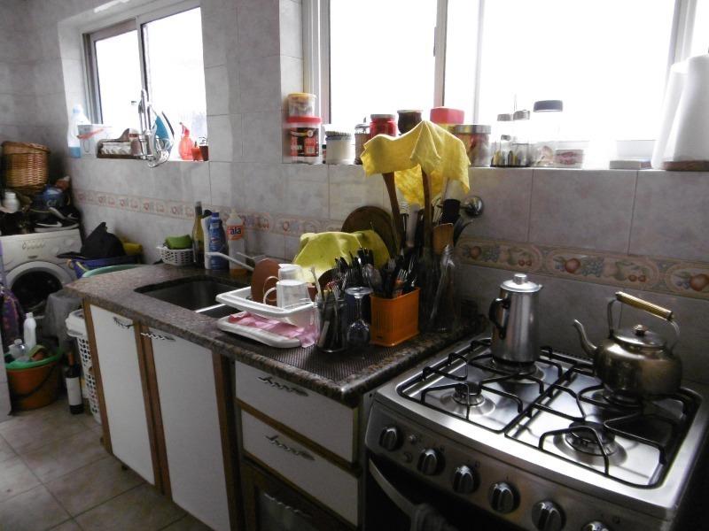 3 ambientes con balcón en venta, en almagro!!