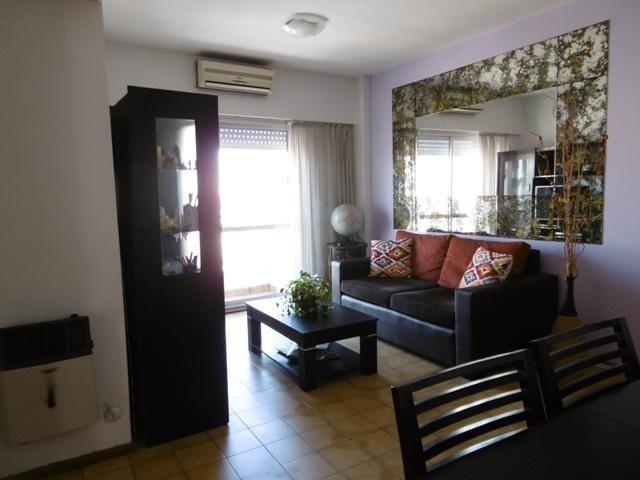 3 ambientes con balcón en venta, en villa crespo!