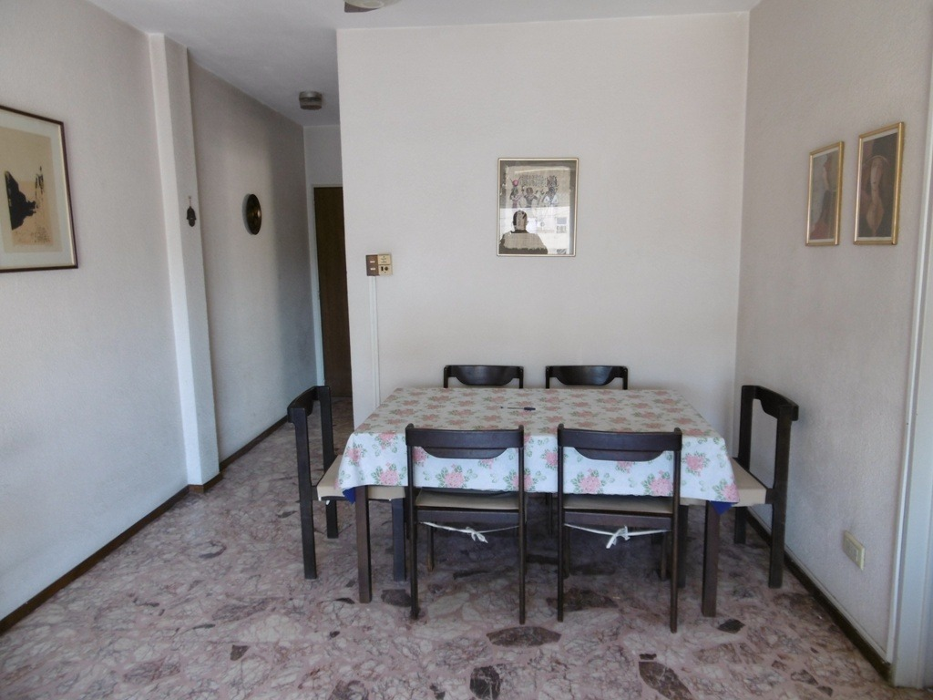 3 ambientes con balcón venta, en villa crespo!.