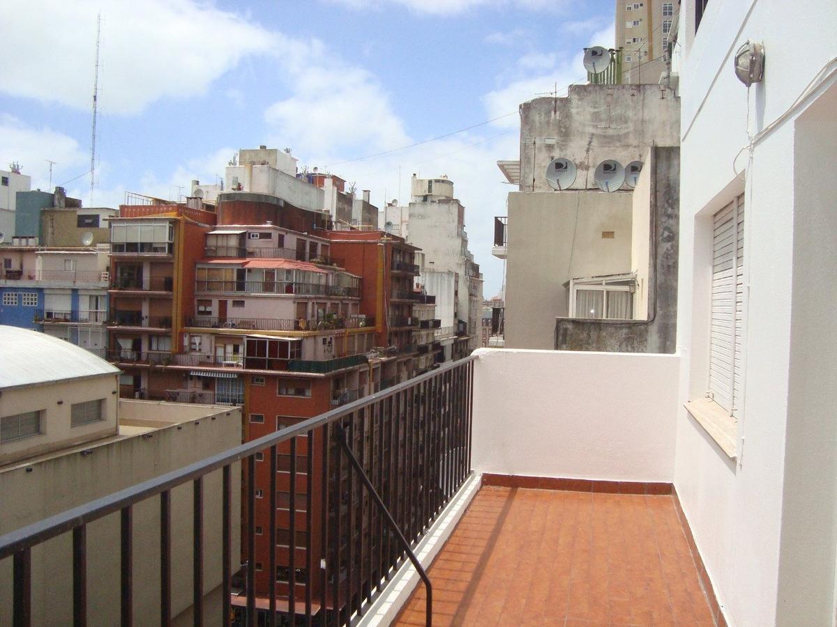 3 ambientes con dep. de servicio-balcon aterrazado