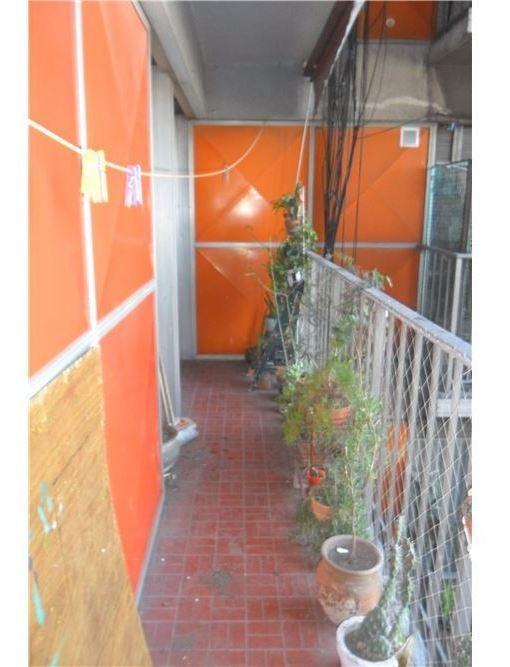 3 ambientes luminosos con balcón