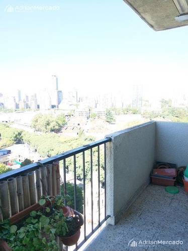 3 ambientes  más  dependencia.  piso 16 con vista al rio.