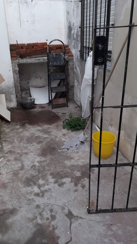 3 ambientes reciclado c/ patio y parrilla