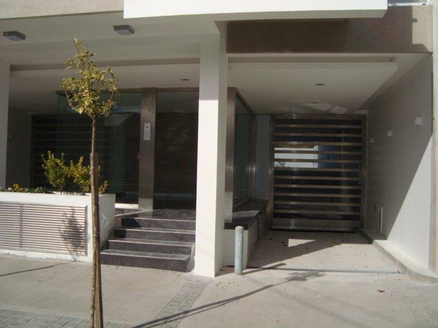 3 ambientes,calle,balcon,doble cochera y baulera