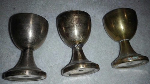 3 antiguas copitas de licor metálicas ver descripción y foto