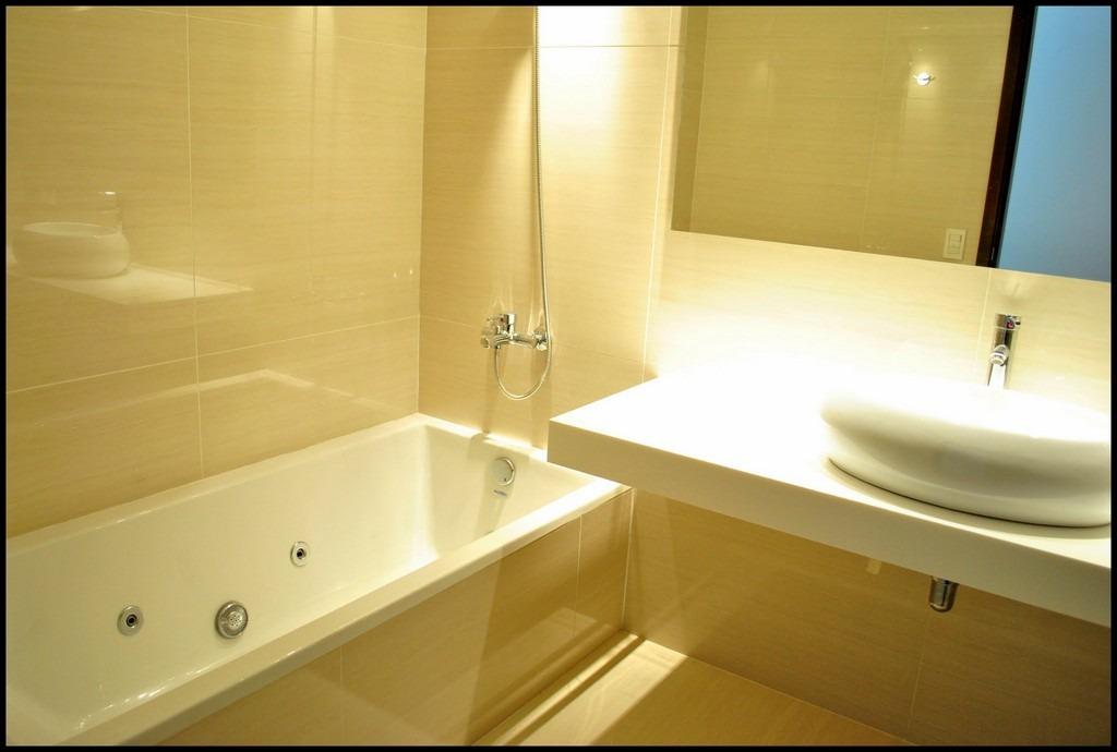 3 dorm 1 suite, 3 baños 1 toilete, gge. calef. bbcoa vigil.
