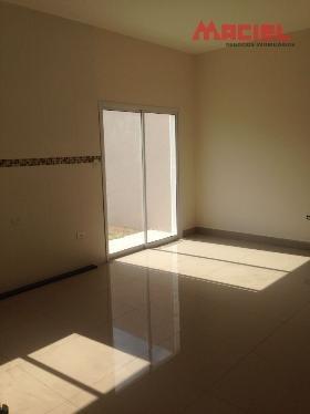 3 dormitorios 1 suites 2 garagens