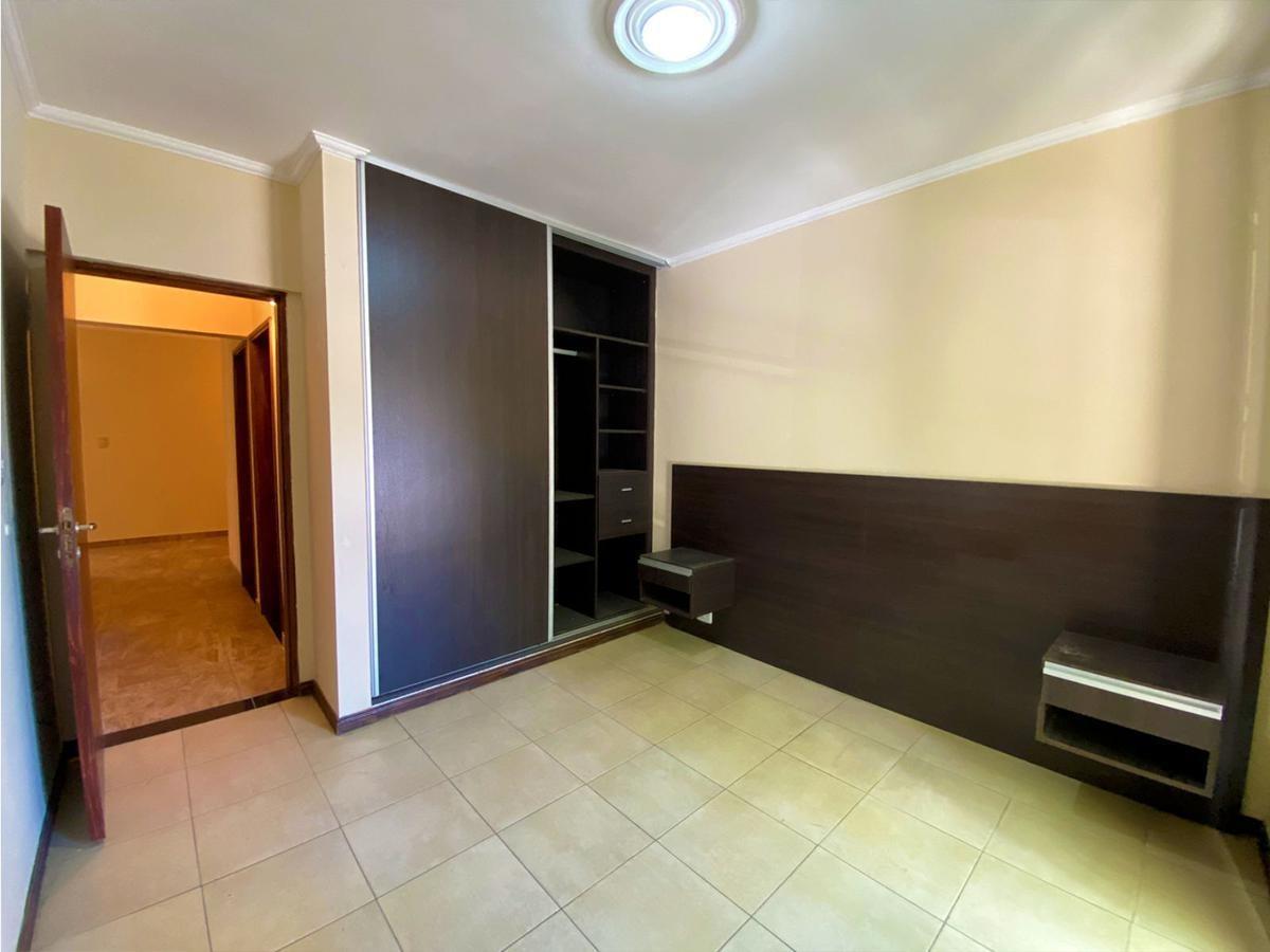 3 dormitorios de calidad y local