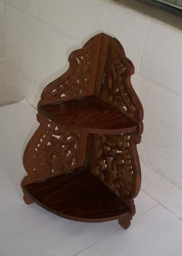 3 esquineros de madera para colección de miniaturas