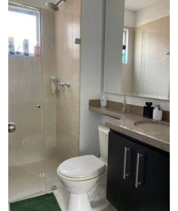 3 habitaciones, 2 baños, parqueo y bodega privado