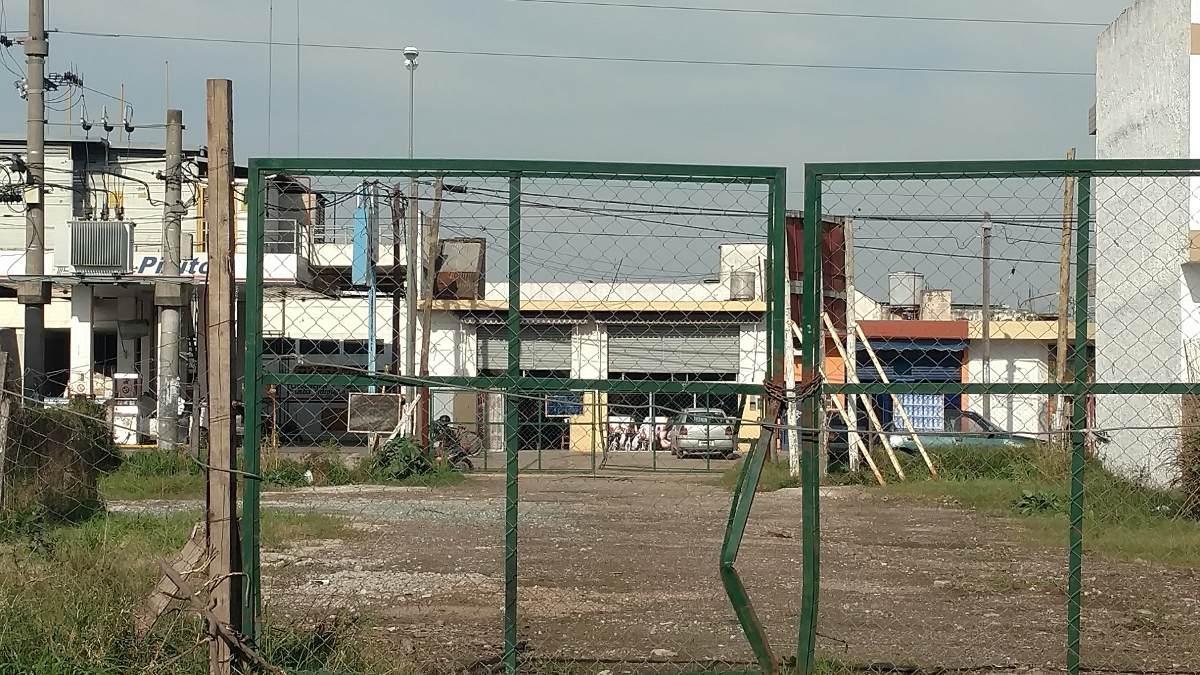 3 lotes-salida 2 calles -galpon deposito industria - ugazio
