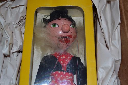 3 marionetas pelham hansel gretel bruja hechos inglaterra