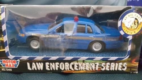 3 miniaturas em 1/43 da motormax- polícias e ambulância