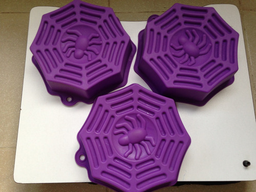 3 moldes con dibujo de araña