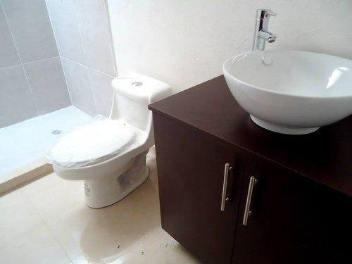 3 niveles, 3 recamaras, ppal con baño completo y vestidor, r
