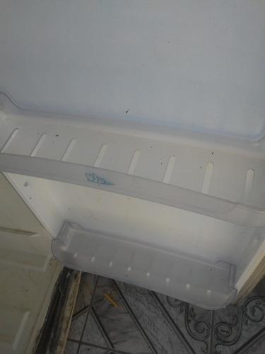 3 prateleiras de porta de geladeira esmaltec