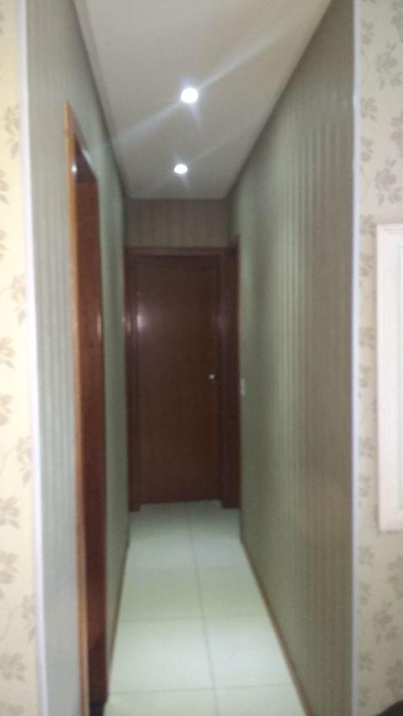 3 quartos com suite, 2 vagas de garagem cobertas. - aby2000549