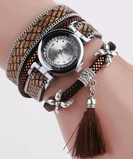 085a28731ed 3 Relógios Pulseira Vintage Feminino - R  85