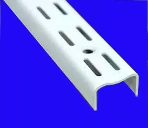 3 rieles de 1,50, 8 ménsulas de 17cm y 3 ménsulas de 47cm