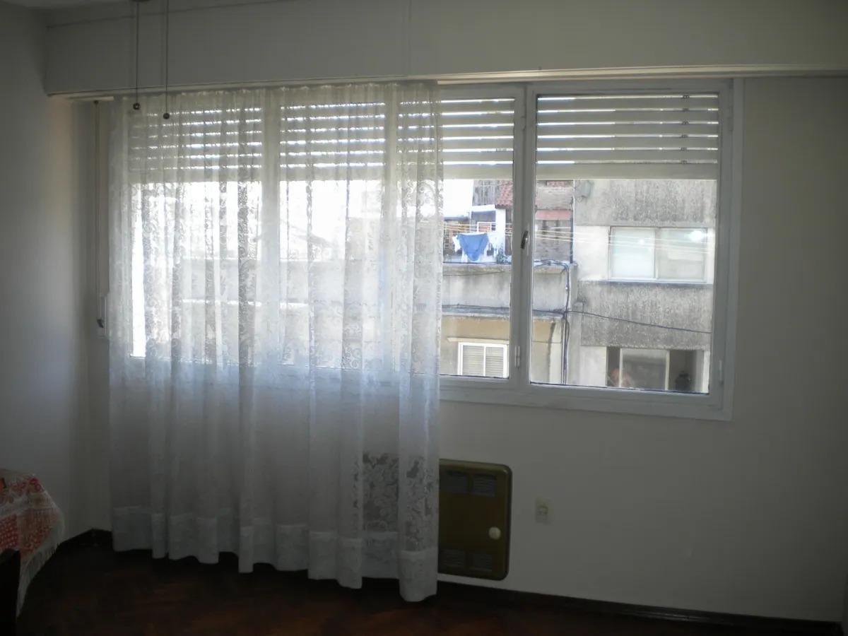 3 se alquila apartamento en zona de cordon