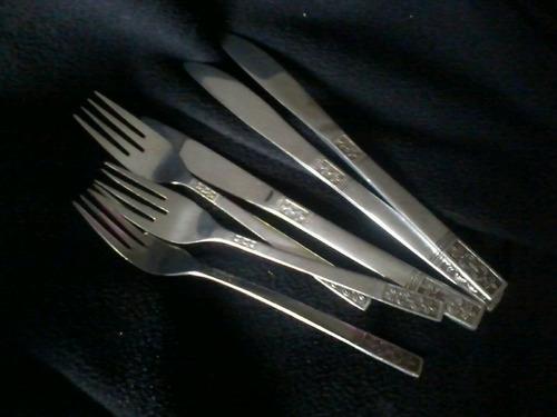 3 tenedores y 3 cuchillos acero inoxidable