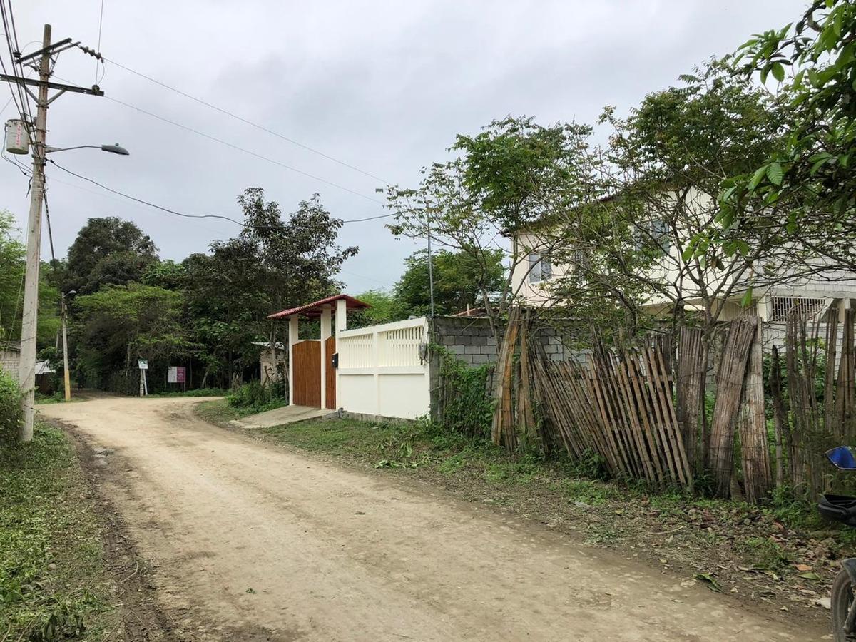 3 terrenos en barrio nueva olón