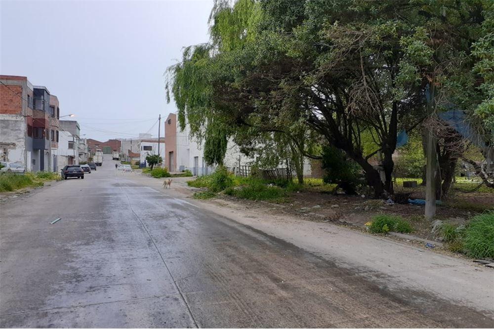 3 terrenos en esquina - zona industrial -