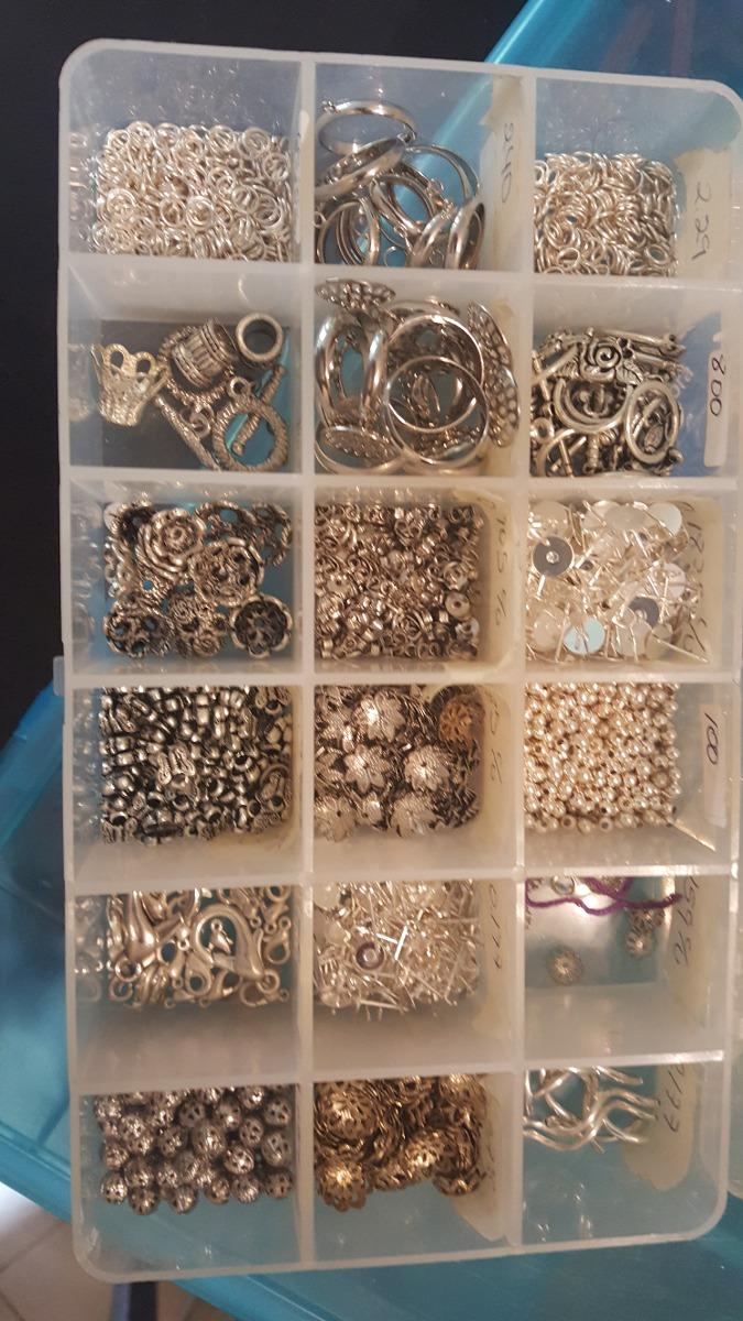 6f1cc35f8844 30 Cajas De Materiales Para Orfebreria Y Bisuteria - Bs. 6