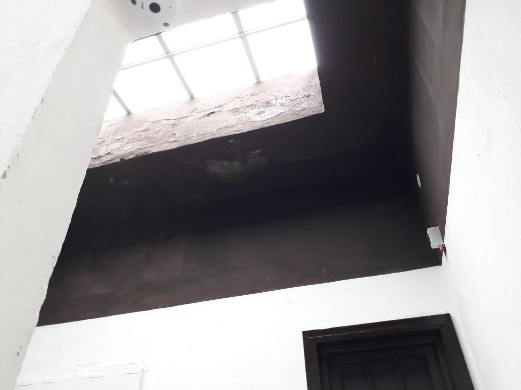 30 habitaciones 14 bañosreciclada casa 1000m2  . local com .