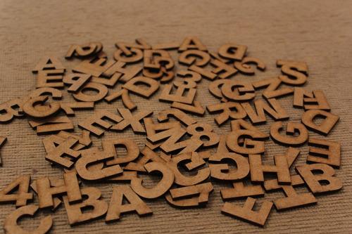 30 letras em mdf cru 3cm de altura arial black r$0,20 cada