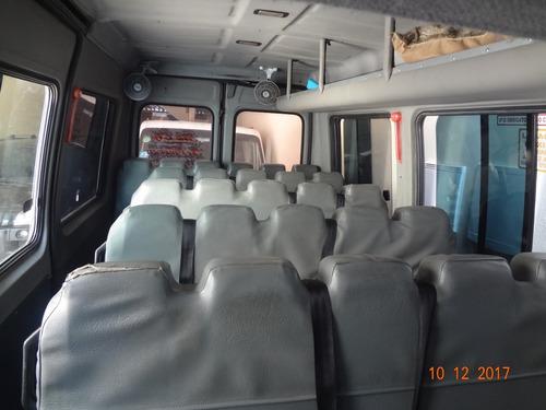 30 lugares ônibus no doc.!