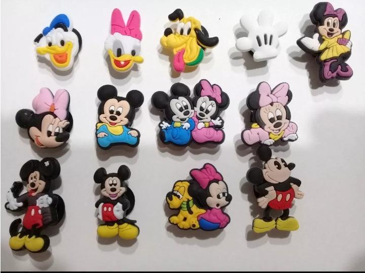 bf43cc131 30 Pins Para Crocs Disney 590 -   590