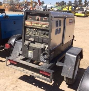 30) soldadora lincoln electric 300 amp 11 kw 2006 c/remolque