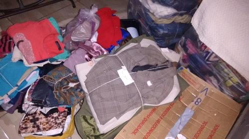 310 peças de roupas para brechó, lavadas. variados  tipos