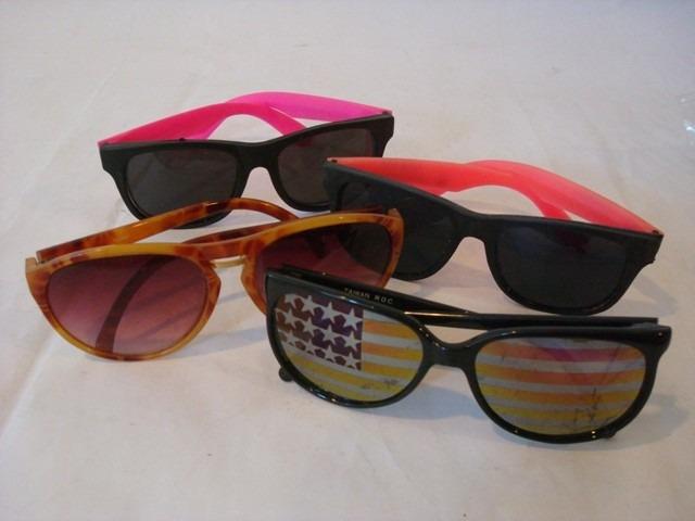 411b5feb48ea3 318 Óculos De Sol 4 Diferentes Made In Taiwan Medindo - R  74,97 em ...