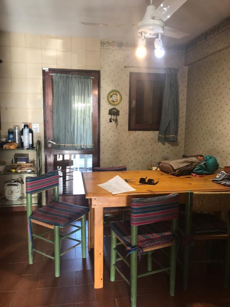 32 entre 10 y 11. casa de 3 dorm en venta, la plata