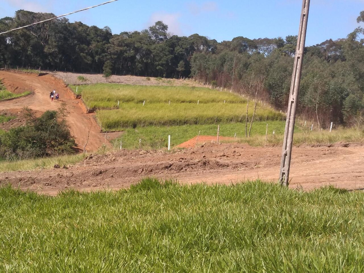32b : terreno troco em motos