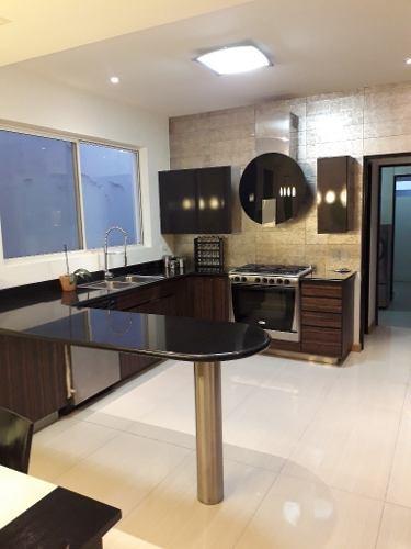 354599-casa en venta en col. palo blanco en san pedro garza garcia, n.l.