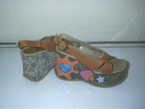 369 x)sandália em couro/tecido  nº 33  suzana santos