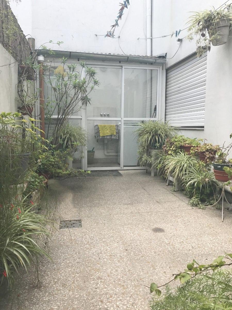 38 ph 4 ambientes frente con patio, balcón y terraza